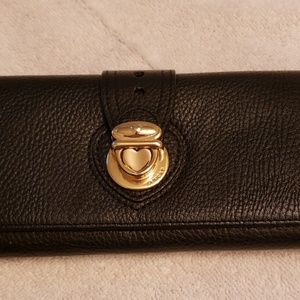 Lovcat black 3 fold leather wallet..used